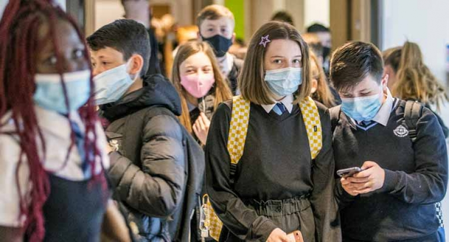 Face masks compulsory for secondary school pupils and staff